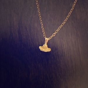 Jewelry - Solid gold nugget whale tail pendant